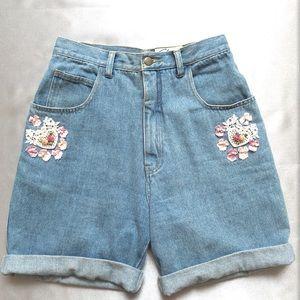 Vintage High Waist 90's Mom Jean Shorts Denim S/M